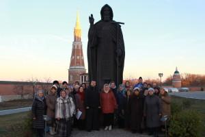 мы у памятника прп. Сергия